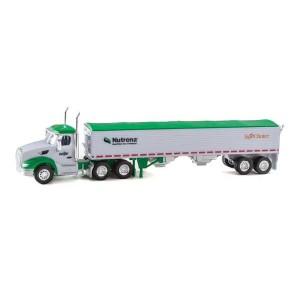 Trucks n Stuff Peterbilt 579 Day-Cab Tractor with Grain Trailer
