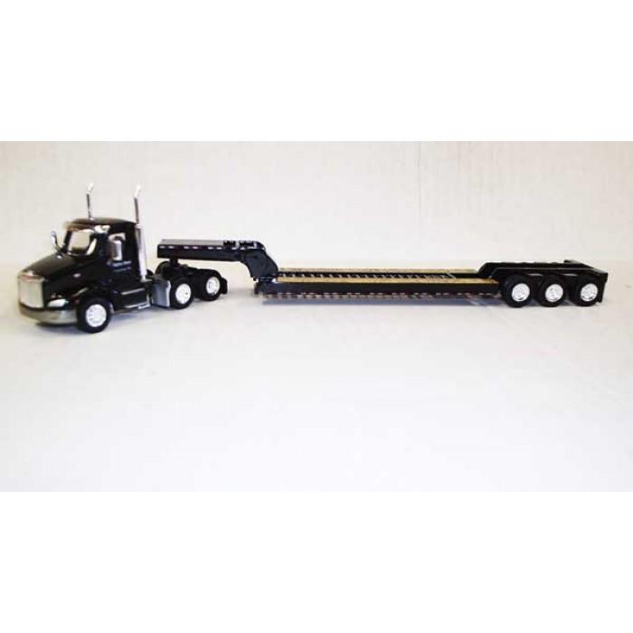 Trucks n Stuff Peterbilt 579 Day-Cab Tractor with 3-Axle Lowboy Trailer