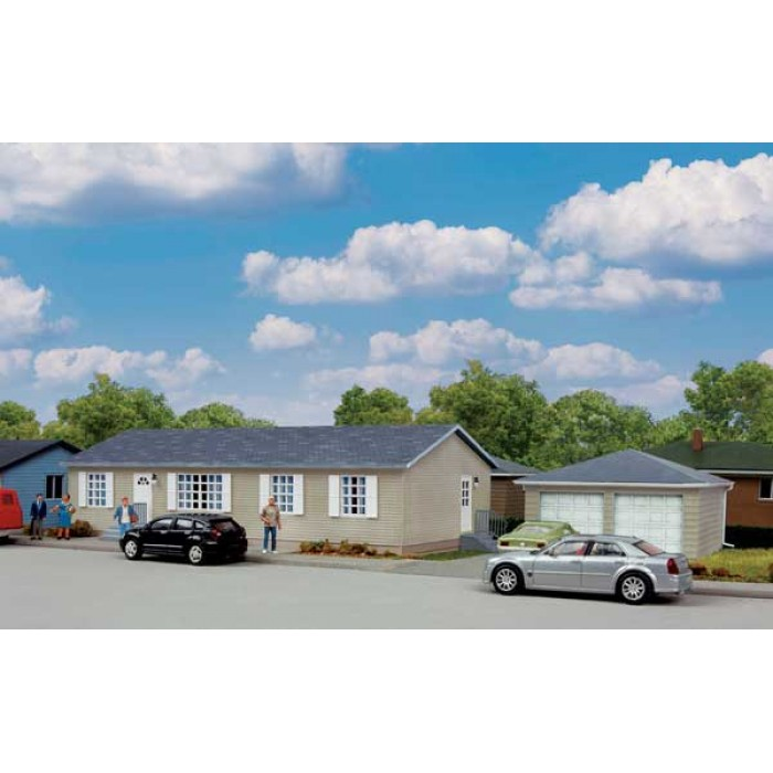 Walthers Cornerstone Modern Sectional House with Garage