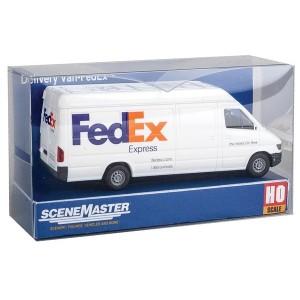Walthers SceneMaster Delivery Van FedEx Express